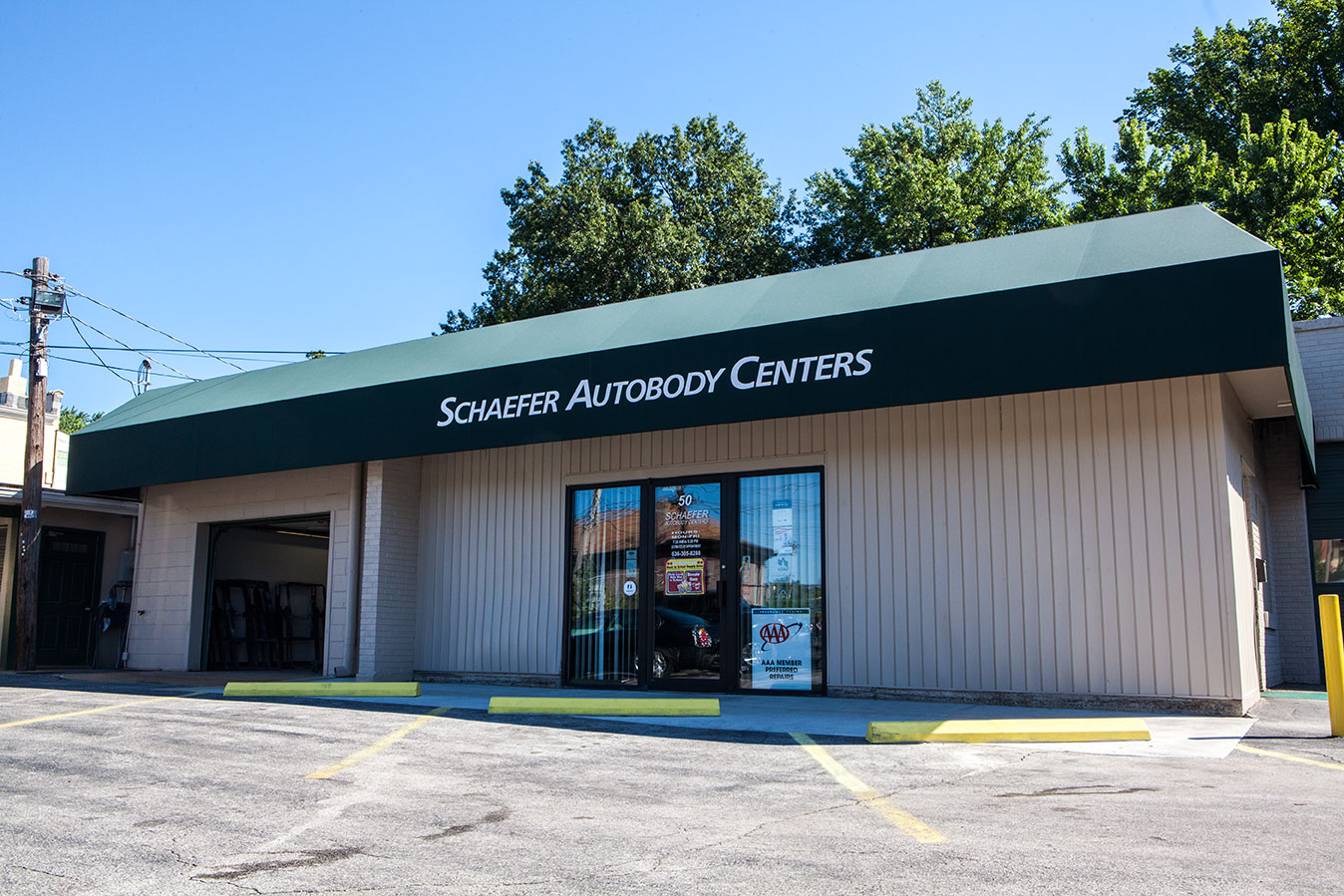 webster groves schaefer auotobody centers' building exterior