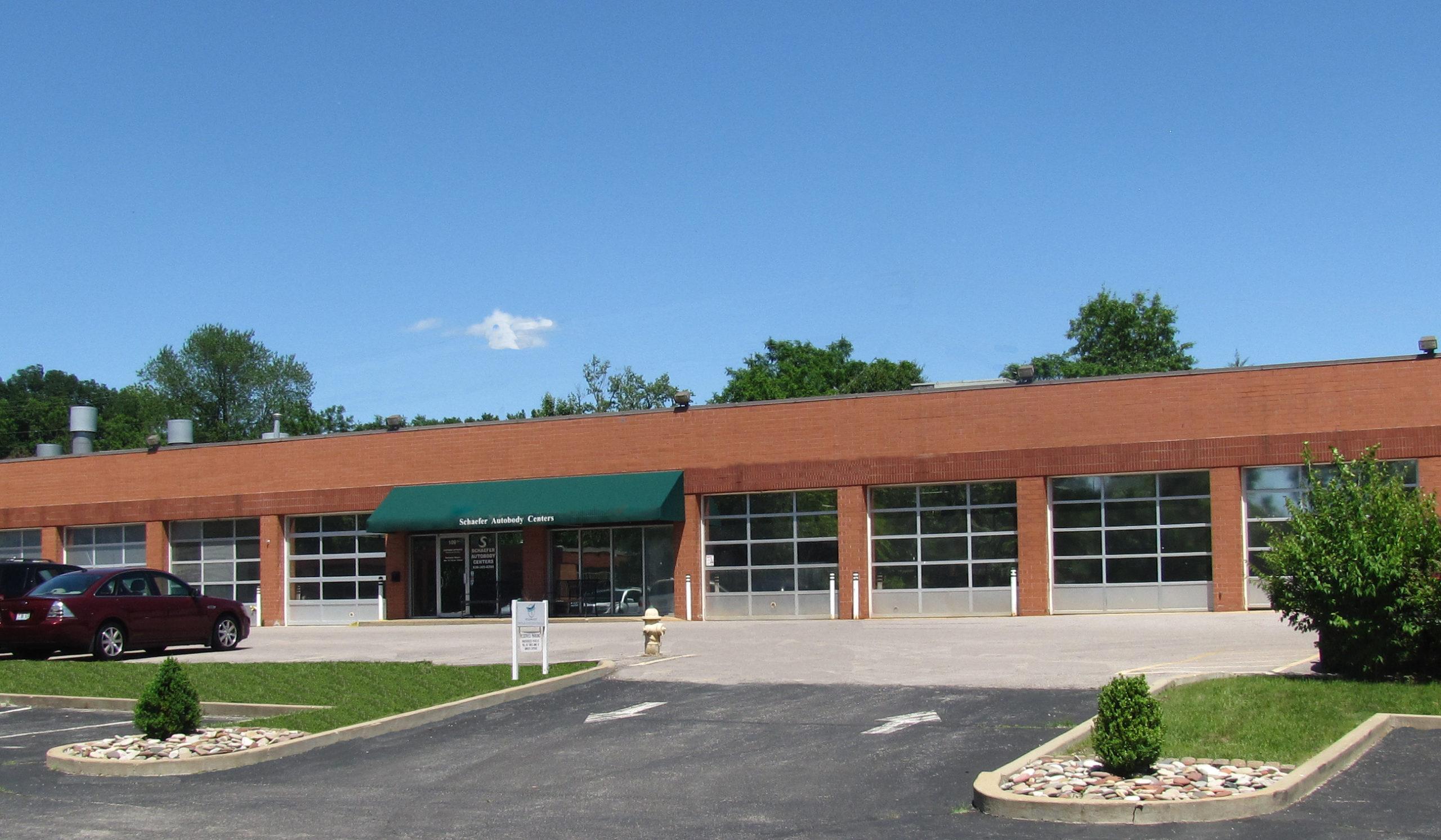 Exterior of Schaefer Auto Body Shop in Ellisville, MO
